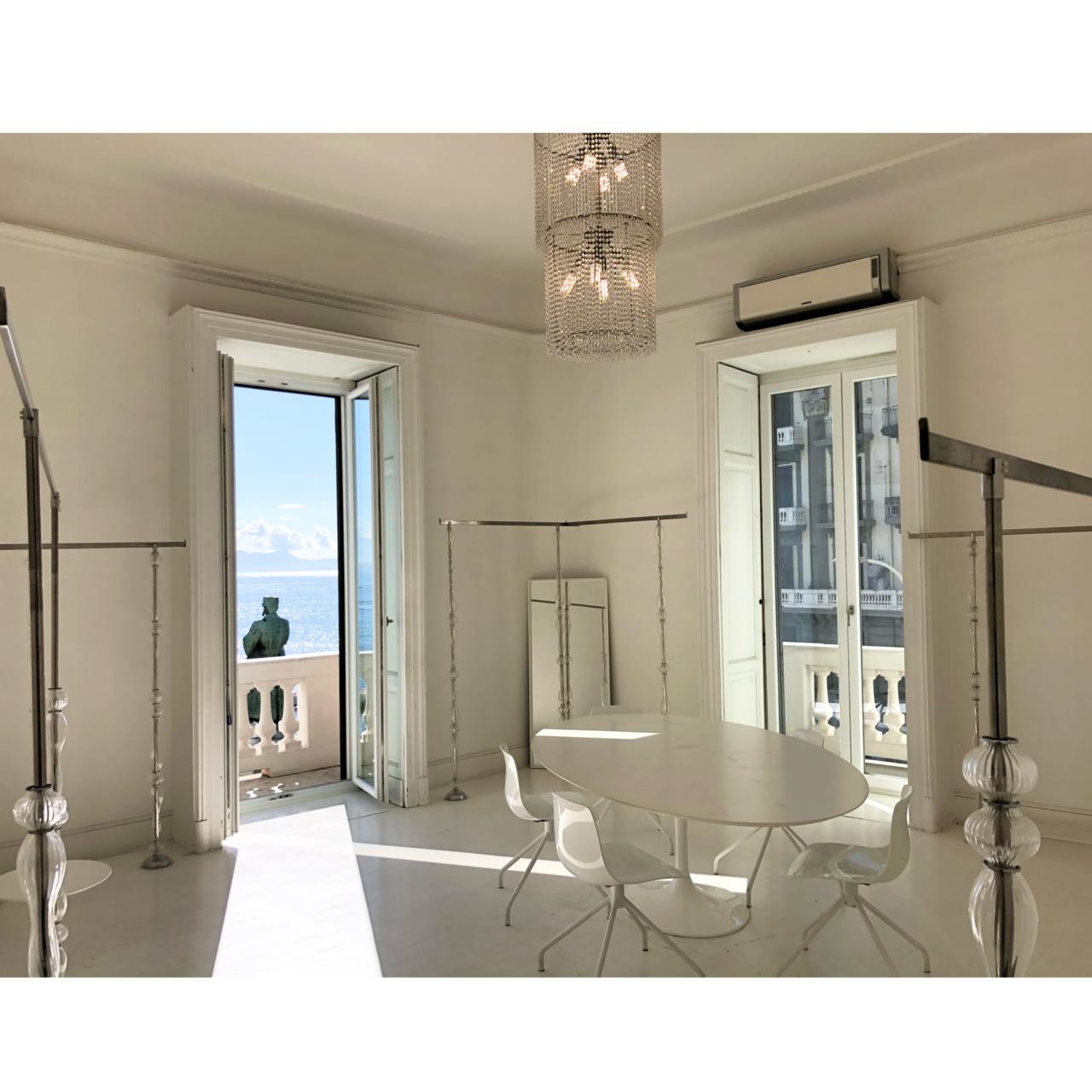 Napoli affitto ufficio arredato panoramico sul Golfo